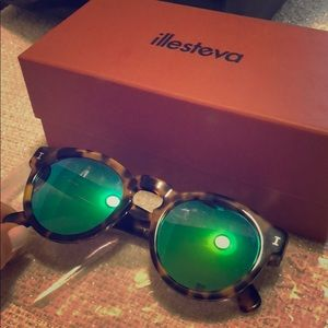 Illesteva Mirrored Leonard Sunglasses